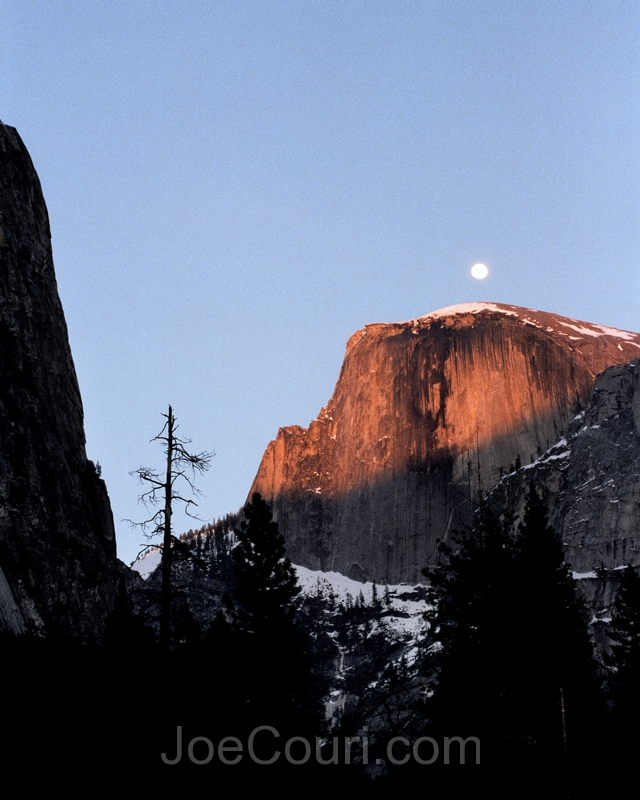 Moonrise over halfdome